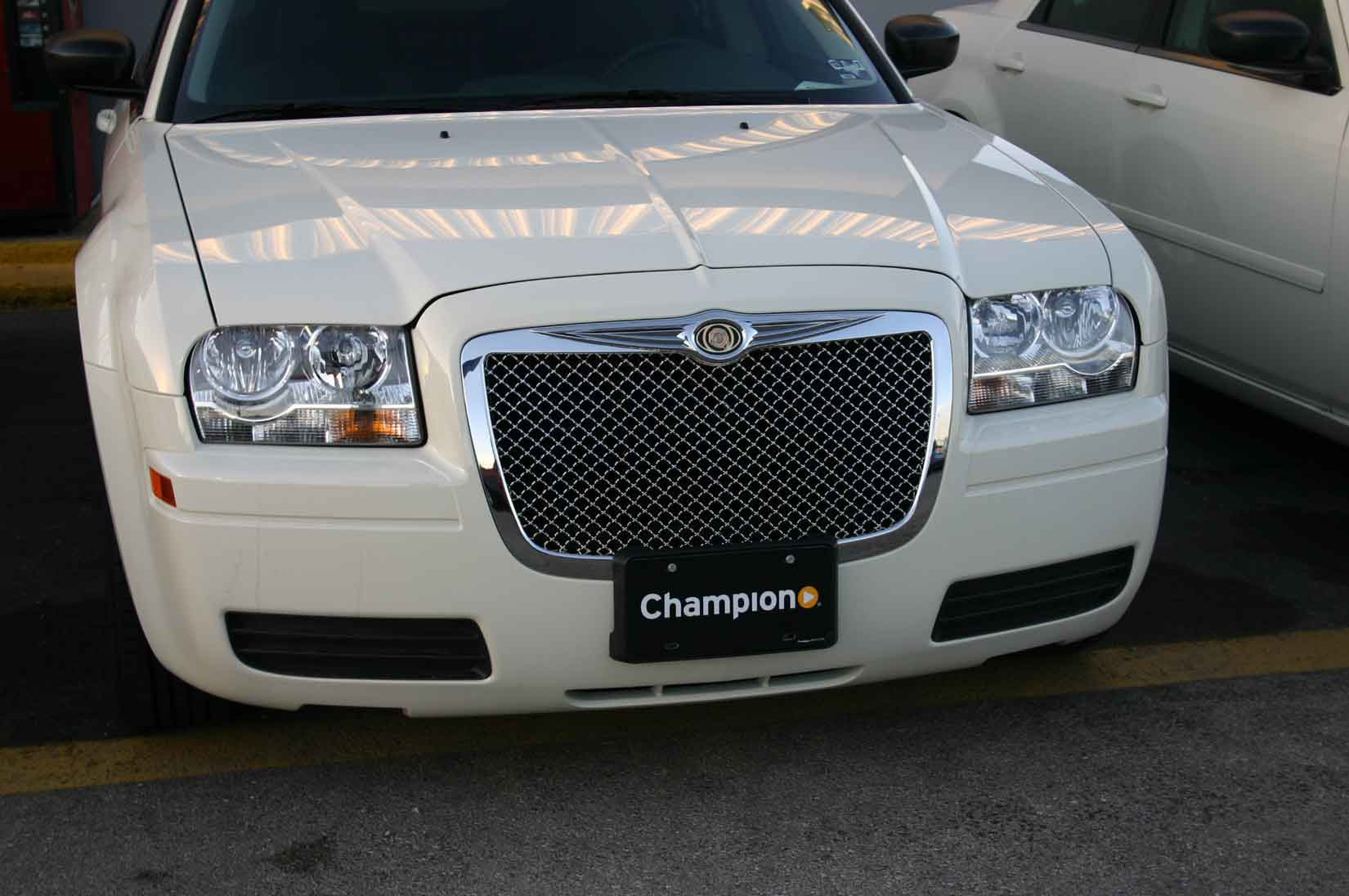 Chrysler 300 Chrome Bentley Mesh Grille
