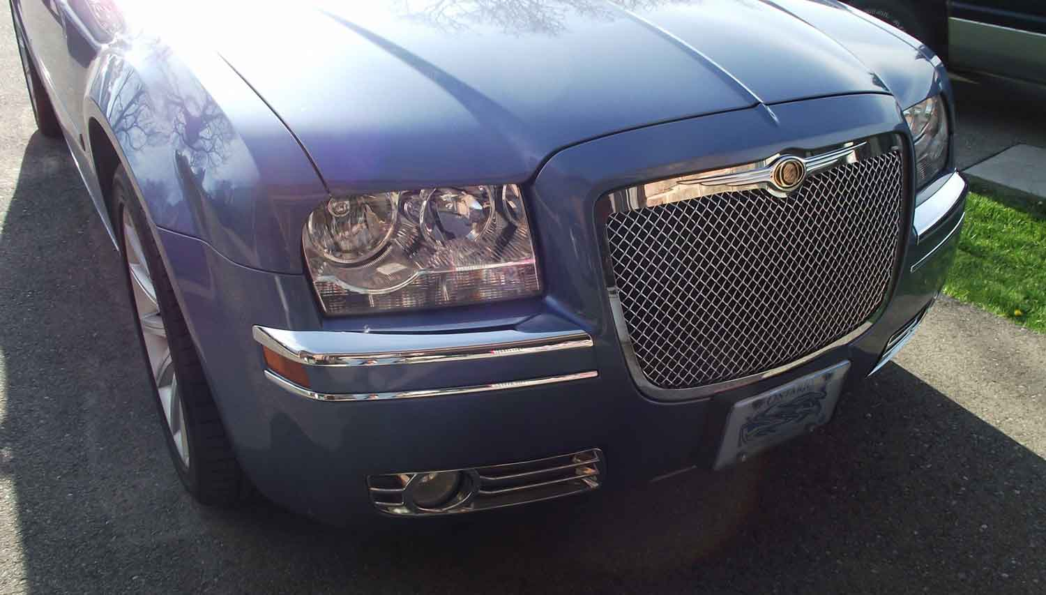 Chrysler 300 With Chrome Fog Light Cover Installed