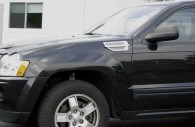 jeep grand cherokee with chrome fender vents installed