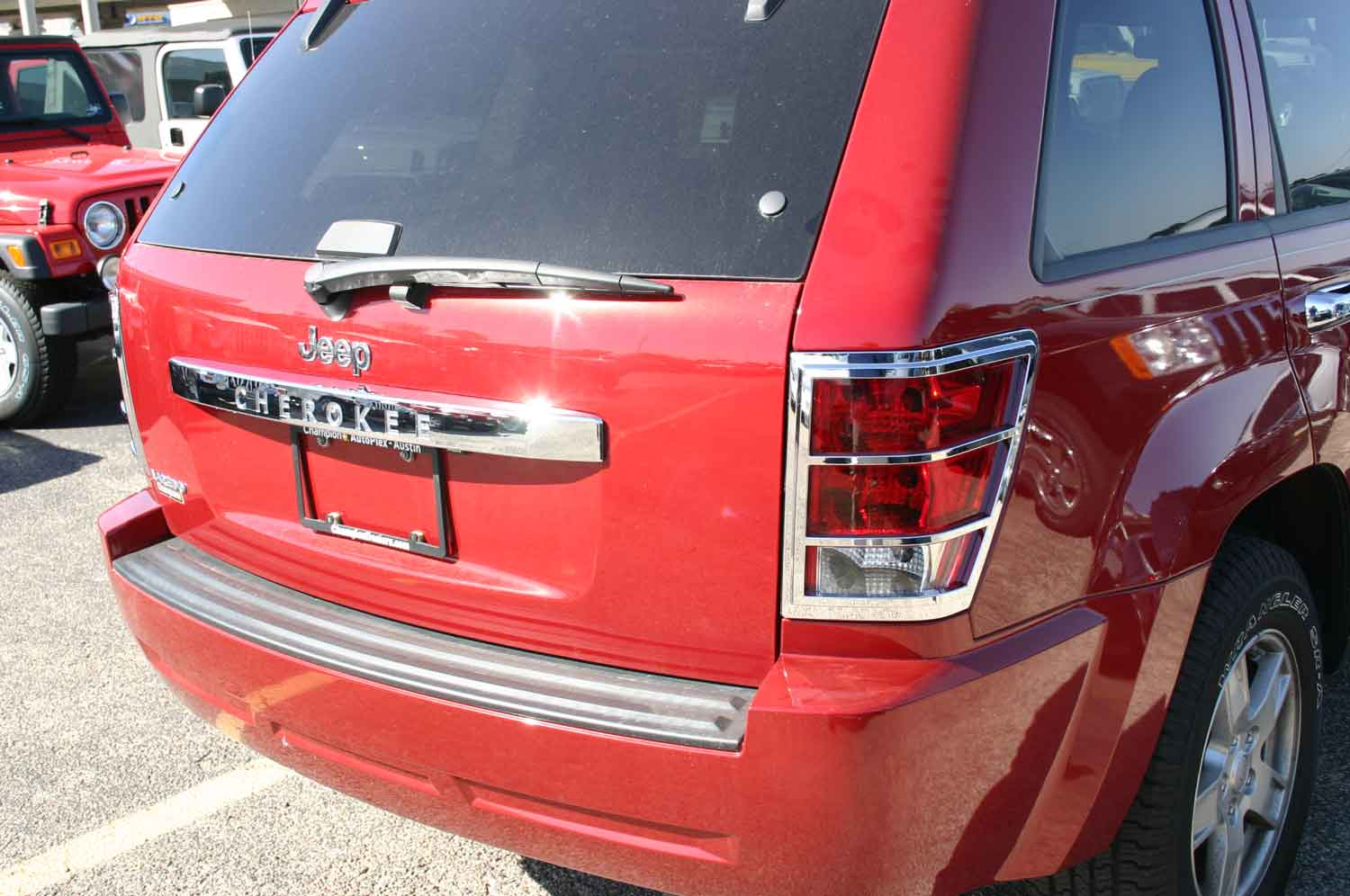 ... Jeep Grand Cherokee Chrome Tail Light Bezel Covers