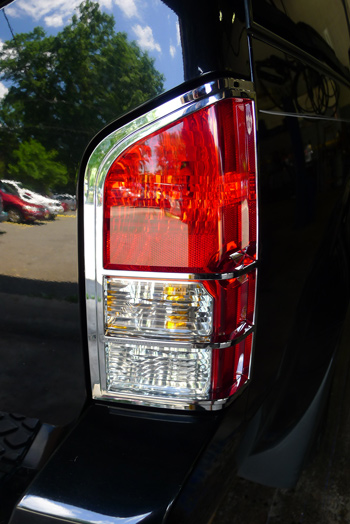 Perfect ... Nissan Pathfinder Chrome Tail Light Bezels ...
