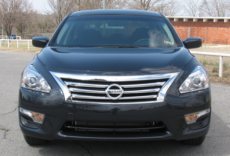 2017 Nissan Altima Chrome Grille Insert
