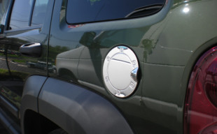 jeep liberty chrome fuel door gas cap cover petro trim. Black Bedroom Furniture Sets. Home Design Ideas
