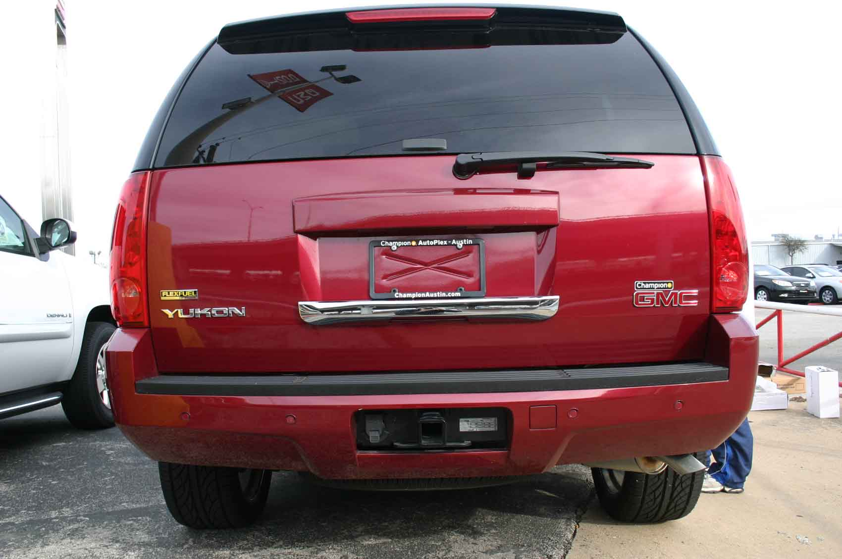 chevy tahoe rear gate lift autos post. Black Bedroom Furniture Sets. Home Design Ideas